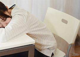 なぜ、日本の働く女性は世界一睡眠時間が短いのか -結婚と家事分担・女の言い分(1/3) | 得するお金・数字 | PRESIDENT WOMAN Online | PRESIDENT Inc.