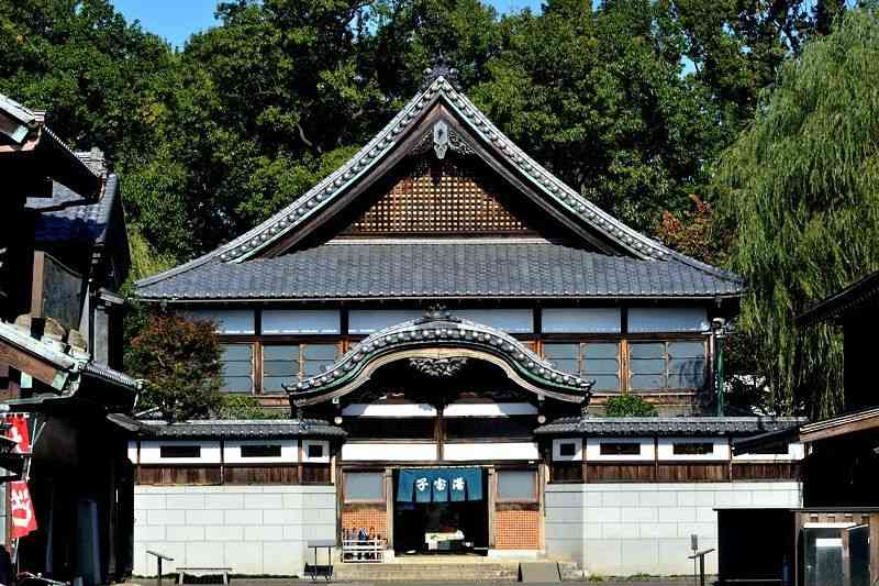 『千と千尋の神隠し』のモデル!江戸東京たてもの園(小金井市)は、ジブリファンの聖地! | 東京都 | トラベルjp<たびねす>