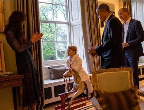 【イタすぎるセレブ達】英ジョージ王子が着ていたバスローブ、わずか数分で完売! | Techinsight|海外セレブ、国内エンタメのオンリーワンをお届けするニュースサイト