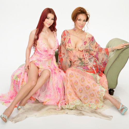 【ファビュラス注意】叶姉妹の最近のブログ、下着すらつけてない 全裸の嵐だった…