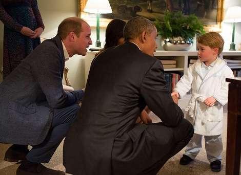 【イタすぎるセレブ達】英ジョージ王子、パジャマ姿でオバマ大統領夫妻と対面 | Techinsight|海外セレブ、国内エンタメのオンリーワンをお届けするニュースサイト