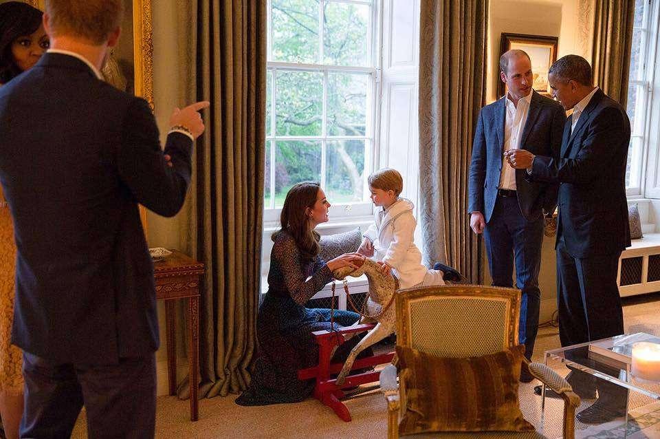 ジョージ王子、オバマ大統領夫妻と面会。笑顔で2人をメロメロに