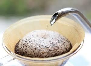 コーヒーメーカーを使っている人