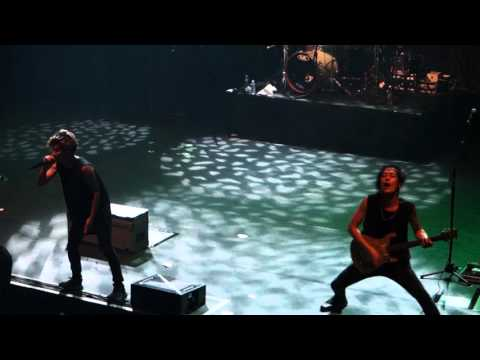 ONE OK ROCK - THE BEGINNING ♪ LIVE IN PARIS @ OLYMPIA 2015.12.21 by Nowayfarer ® FULL ᴴᴰ - YouTube