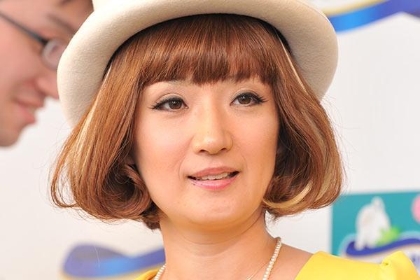 千秋の再婚相手の母親を直撃 「結婚の話したくない…」と表情曇る - ライブドアニュース
