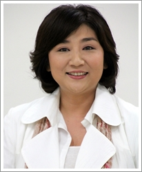 石田ゆり子に天海祐希「結婚しない」アラフィフ美女優たちの恋愛事情