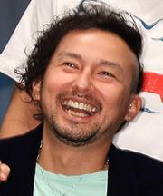 """ISSA、タトゥー""""ダダ映り""""で苦情殺到! 植毛疑惑で""""FUSSA""""になり、モテ伝説は継続か?"""