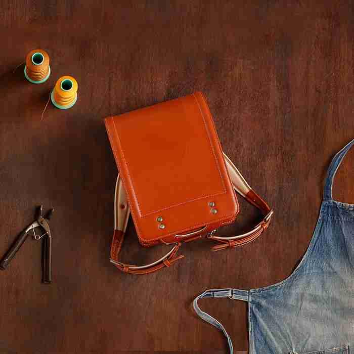 ランドセル職人が手作りする、土屋鞄のランドセル