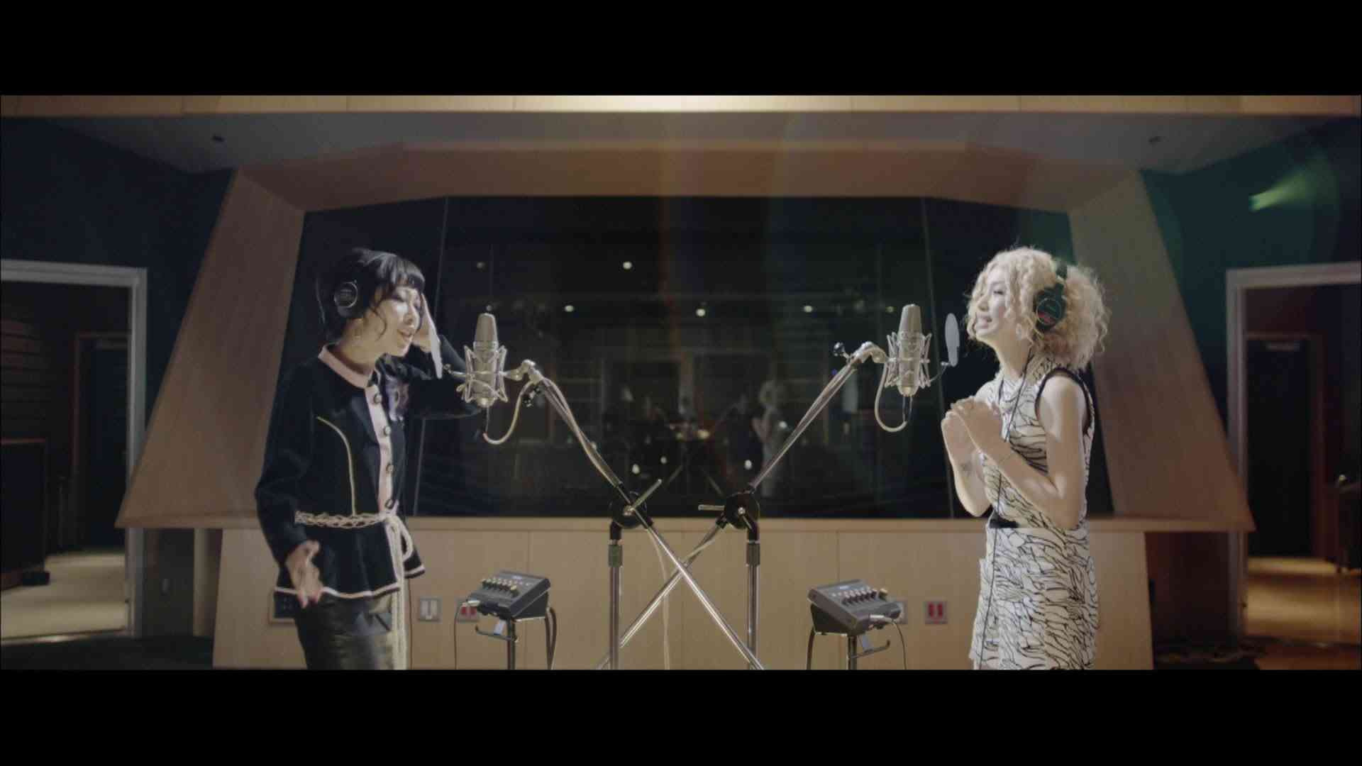中島美嘉×加藤ミリヤ 『Gift ミュージックビデオショートバージョン』 - YouTube