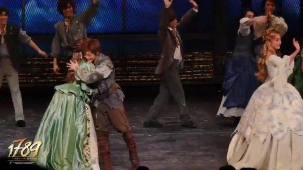 """小池徹平&神田沙也加の""""ラブラブ""""2ショットが話題に"""