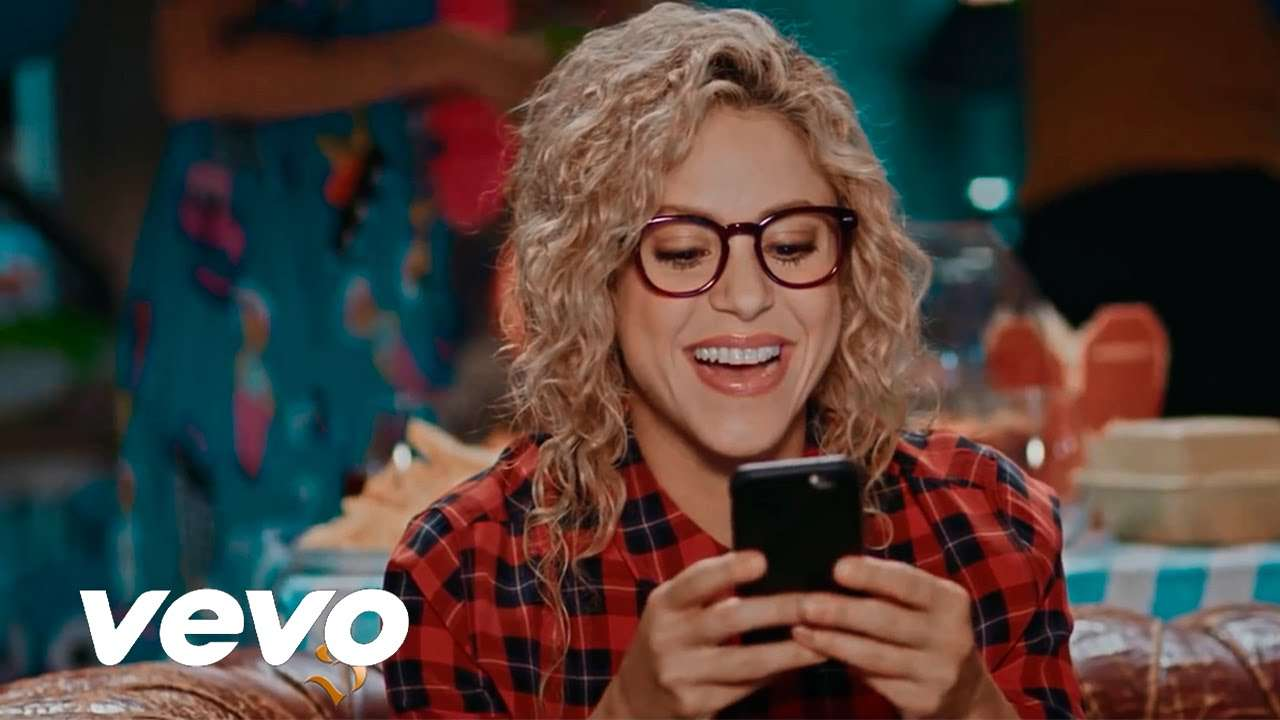 Shakira - Try Everything (VIDEO) - YouTube
