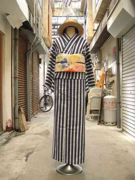レトロモダンな着物の画像♡