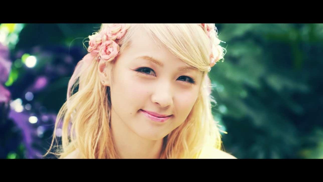 Dream Ami / トライ・エヴリシング (Dream Ami version) - YouTube