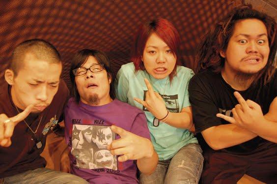 マキシマムザホルモンがAKB48を痛烈批判!「AKビッチ」ww