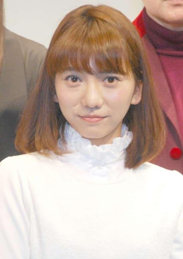元AKB48高城亜樹、スーツ姿のイケメンと夜カフェデート