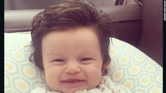 赤ちゃんの髪を初めて切ったのはいつですか?