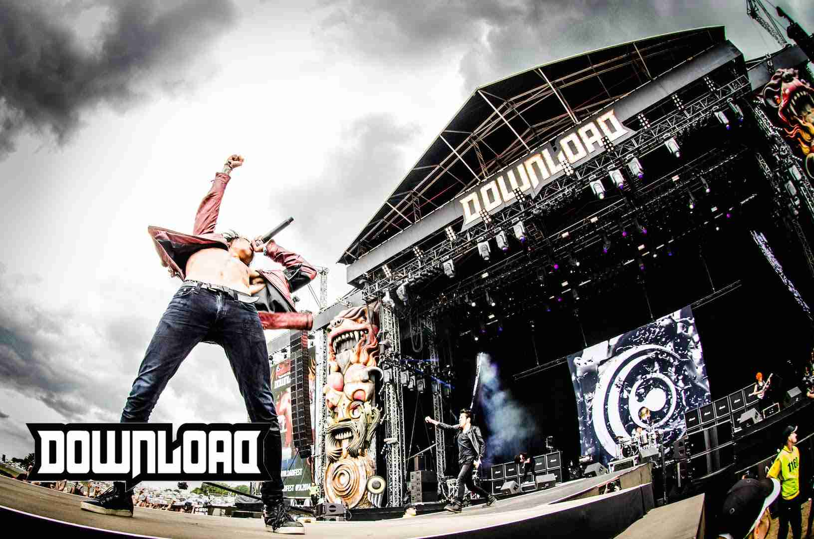 Crossfaith - 'Monolith (Live At Download Festival 2014)' - YouTube