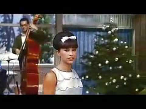 The Girl From Ipanema(イパネマの娘) Astrud Gilberto(アストラッド・ジルベルト) - YouTube