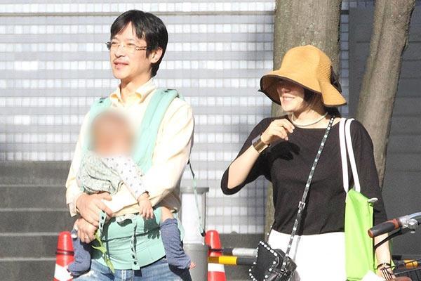 堺雅人と菅野美穂、「こどもの日」に見せた家族の姿 - ライブドアニュース