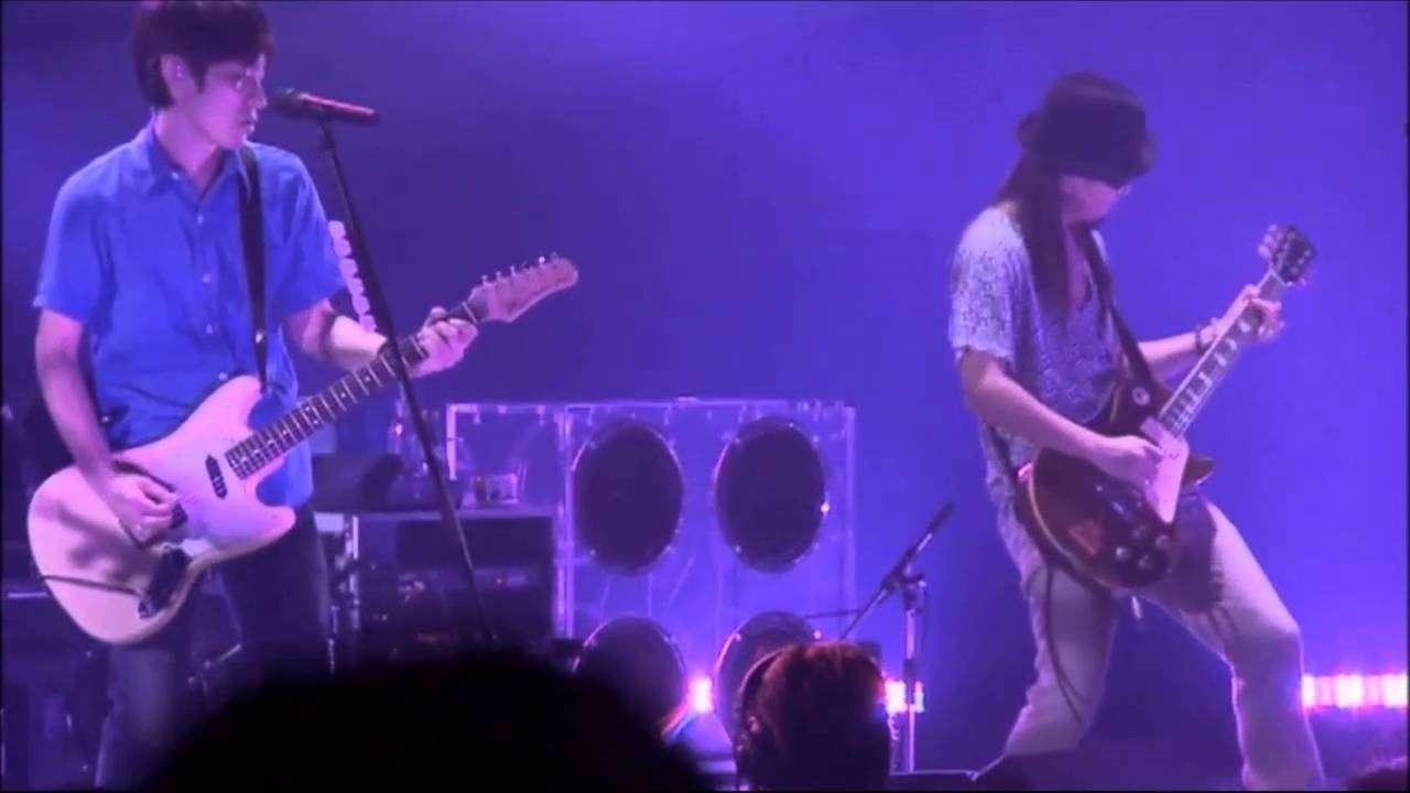スピッツ - みそか(live2008) - YouTube