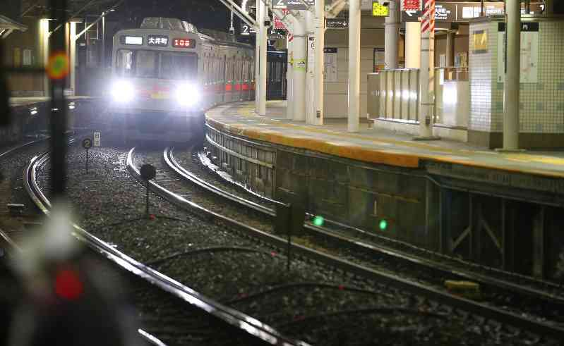 東急大井町線 飛び込みか 13歳女子中学生2人死亡
