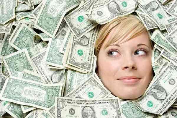 お金持ちか美人 生まれ変わるなら?