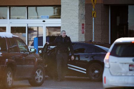 【米国】アイダホ州のスーパーでカートに乗った2歳児が銃誤射…母親死亡