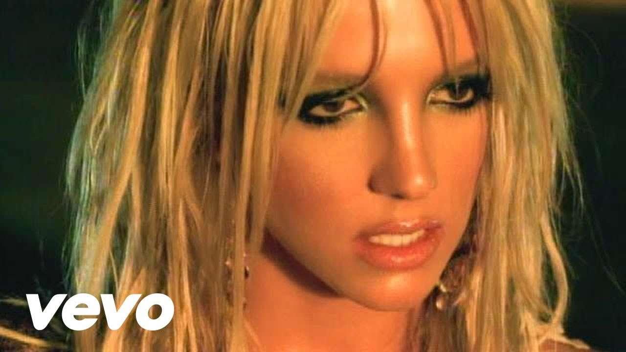 Britney Spears - I'm A Slave 4 U - YouTube