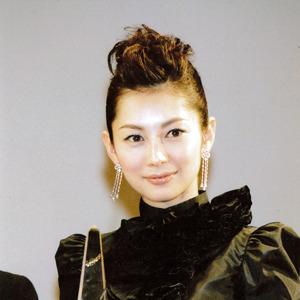 ドラマをやりたい!第2子出産予定の伊東美咲が女優復帰熱望も、関係者「戦えるのかどうか…」
