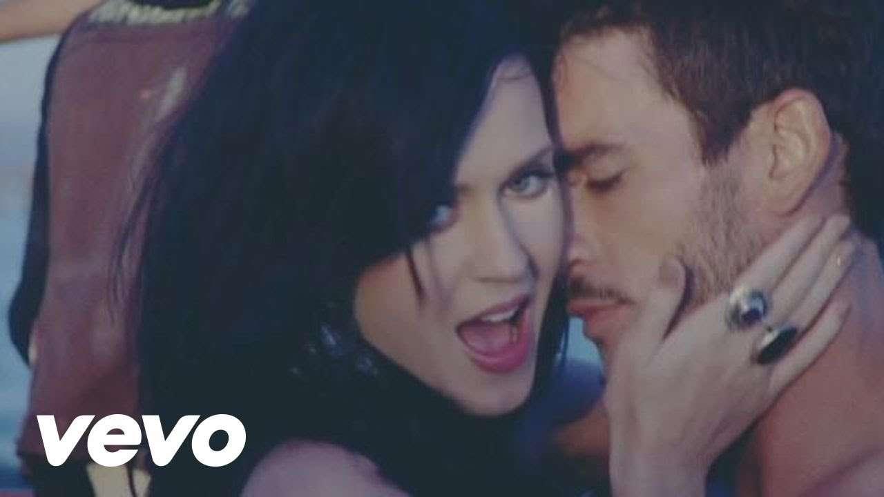 Katy Perry - Teenage Dream (Director's Cut) - YouTube