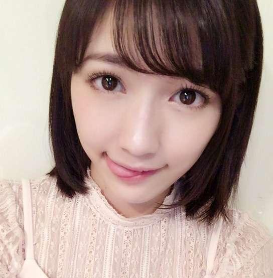 AKB48・渡辺麻友、悶絶級に可愛すぎる「舌ペロ」写真に瞬殺されるファン続出 「まゆゆはやっぱり最強」 - AOLニュース
