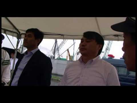 武闘派右翼集団から口撃を受け震え上がる日教組幹部 - YouTube