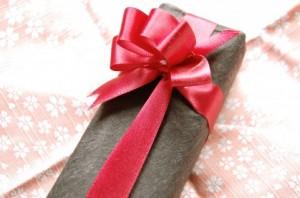 目上の人に靴下を贈るのは失礼?贈ってはいけないプレゼントとは? | 魔女の知恵