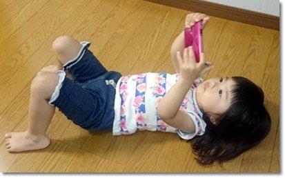 スマホの電磁波から子供を守る!後悔しないための10か条! | 行列のできる情報館