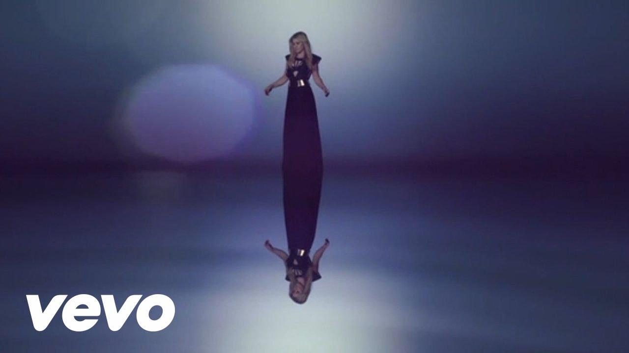 Kelly Clarkson - Catch My Breath - YouTube