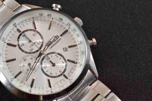 上司「社会人ならローンで高級腕時計を買え!」 ネット民は「そんなこという会社はブラック」と反発 - ネタりか