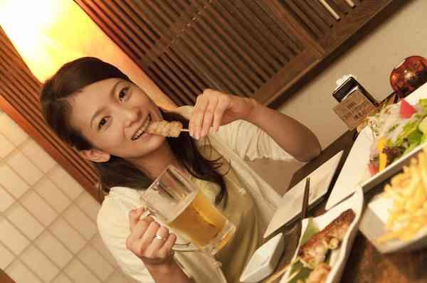 男子との食事を「時給換算」したい女子が多発!そのワケは…。