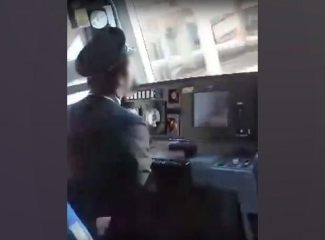 JR山手線の運転士が居眠り運転… その様子を乗客が撮影していた【動画】 - ViRATES [バイレーツ]