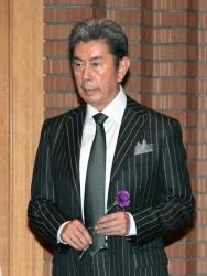 故・宇津井健さん 亡くなった当日に内縁の妻と入籍していた