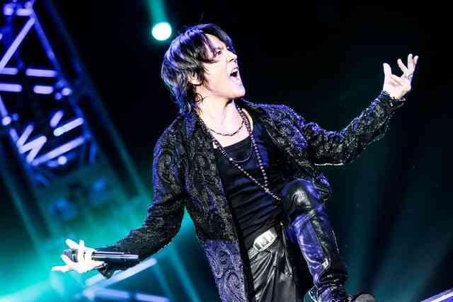 氷室京介ラストライブで35曲熱唱「これで気持ちの整理がついた」 - 音楽ナタリー