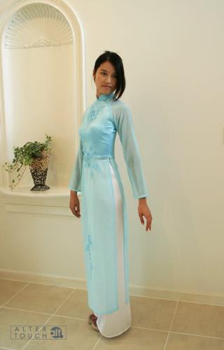 パンツドレスで結婚式はOK?