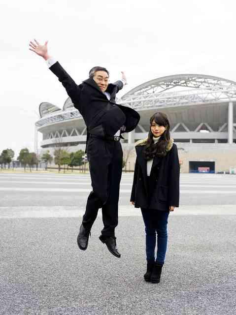 娘と写る、空跳ぶ父 全国41組父娘の2ショット写真集:朝日新聞デジタル