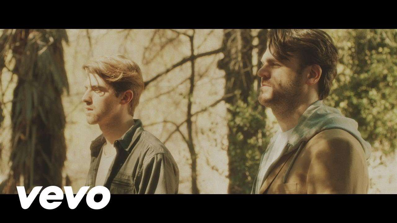 The Chainsmokers - Don't Let Me Down ft. Daya - YouTube