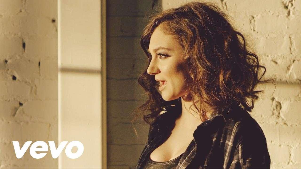 Daya - Hide Away (Official Music Video – International Version) - YouTube