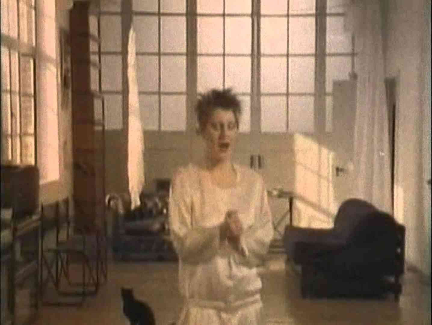 Cocteau Twins - Aikea-Guinea (1985) - YouTube