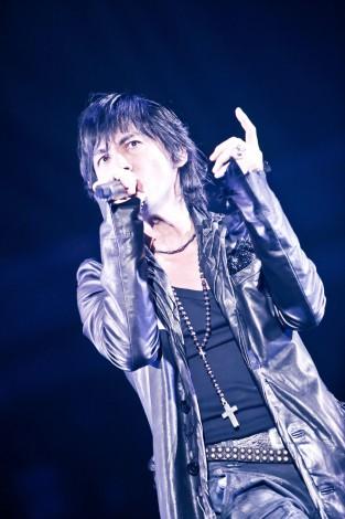 氷室京介、義援金総額8億円超え 新曲著作権料の寄付も表明 | ORICON STYLE