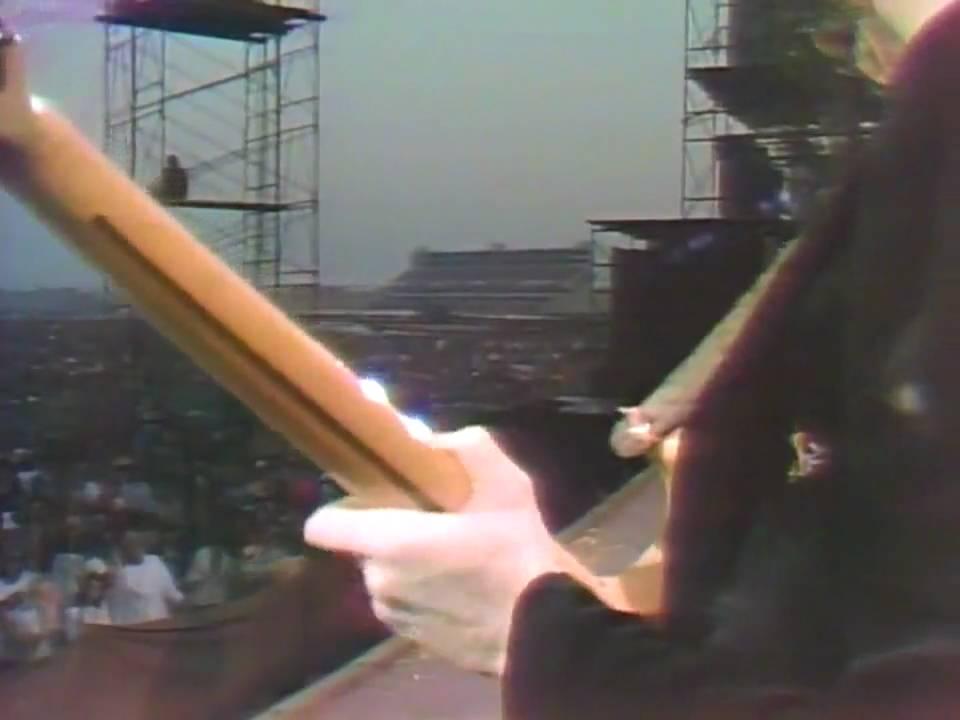 ディープ・パープル - バーン(LIVE 1974) - YouTube