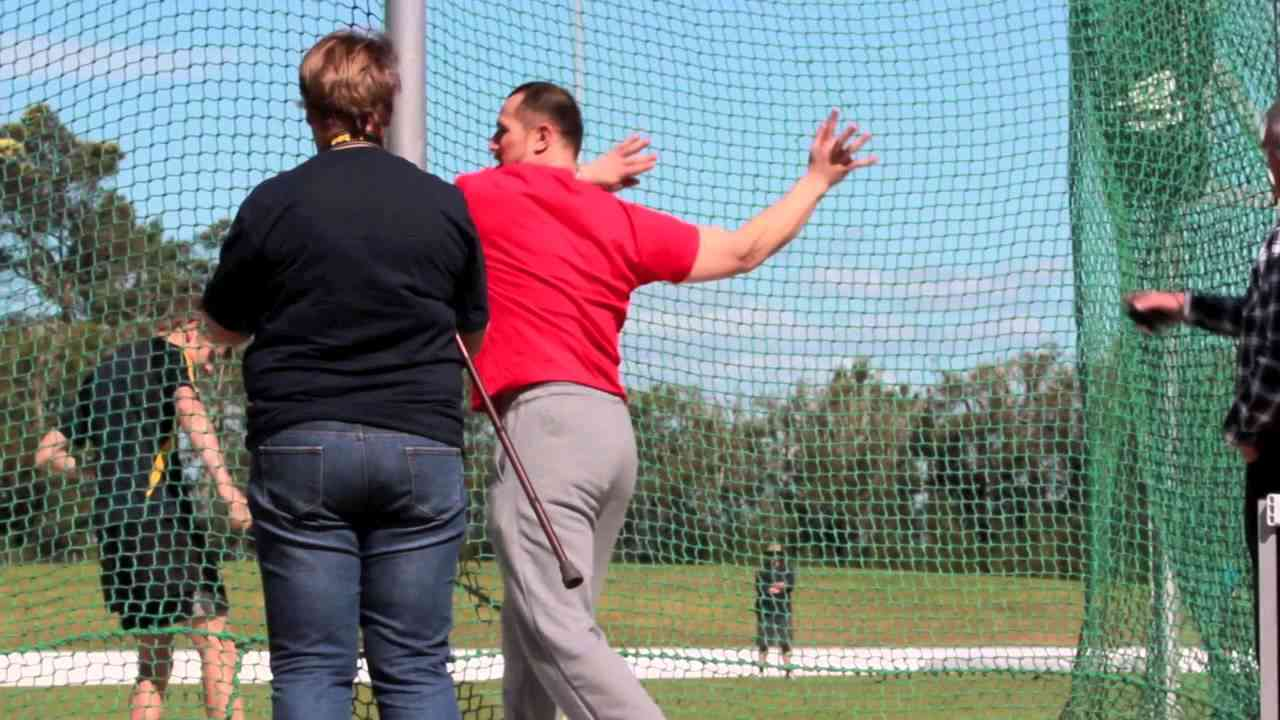 2015 AUCKLAND Throws conference Part 2 HAMMER practicals with Koji MUROFUSHI and Didier POPPE - YouTube