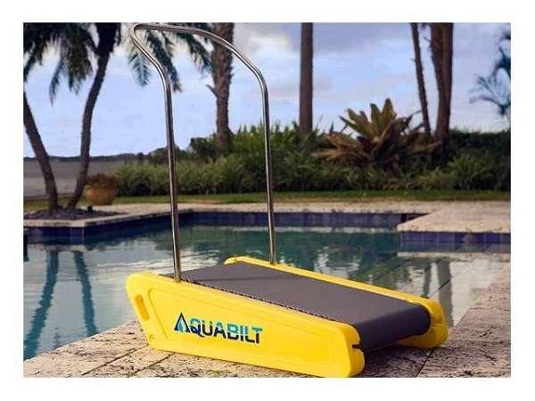 夏のダイエットに!?水の中で使えるランニングマシーンが面白い