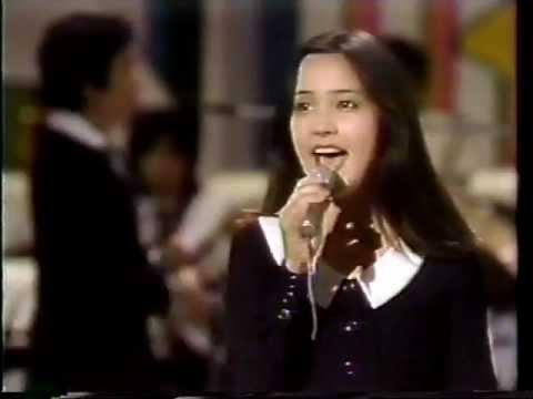 渚でクロス 荒木由美子(1977) - YouTube